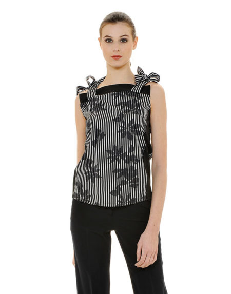 Sleeveless blouse with bows