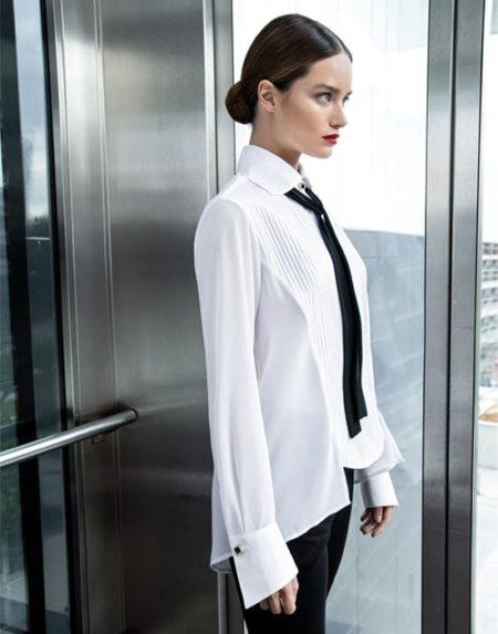 Asymmetrical piegolina women's shirt with tie