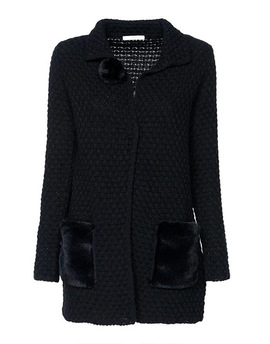 Women's knitted cardigan with plush pockets