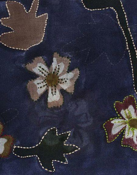 Γυναικεία μπλε Σάρπα με απλικέ χειροποίητο κέντημα λεπτομέρειες