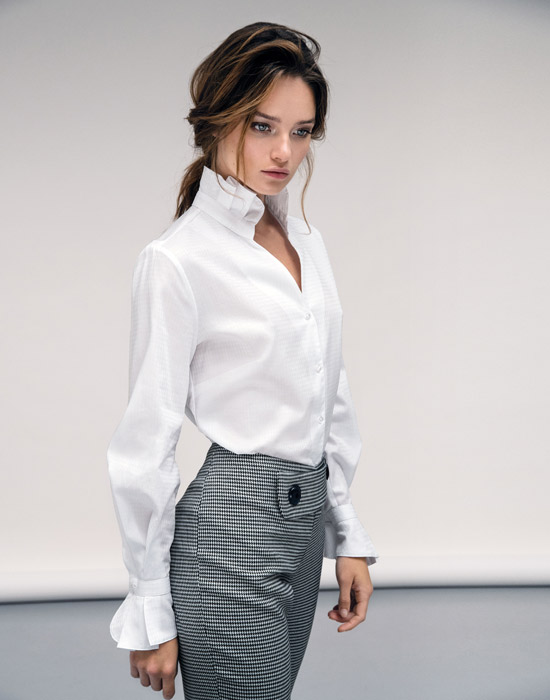 [el]Γυναικείο Chambray πουκάμισο με frills lifestyle[en]Women's Chambray shirt with frills lifestyle