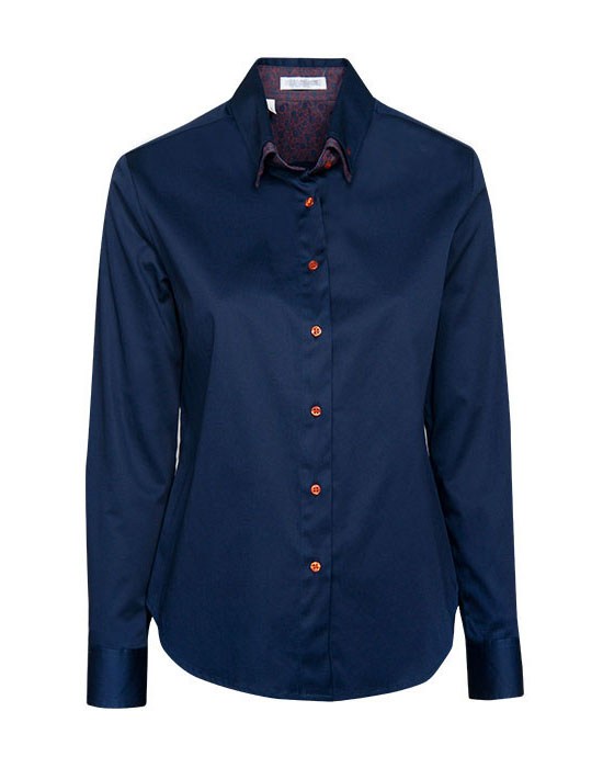 Women's classic shirt with double button down collar