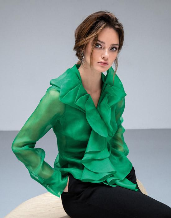 [el]Γυναικείο μεταξωτό πουκάμισο οργάντζα lifestyle[en]Women's silk organza shirt lifestyle