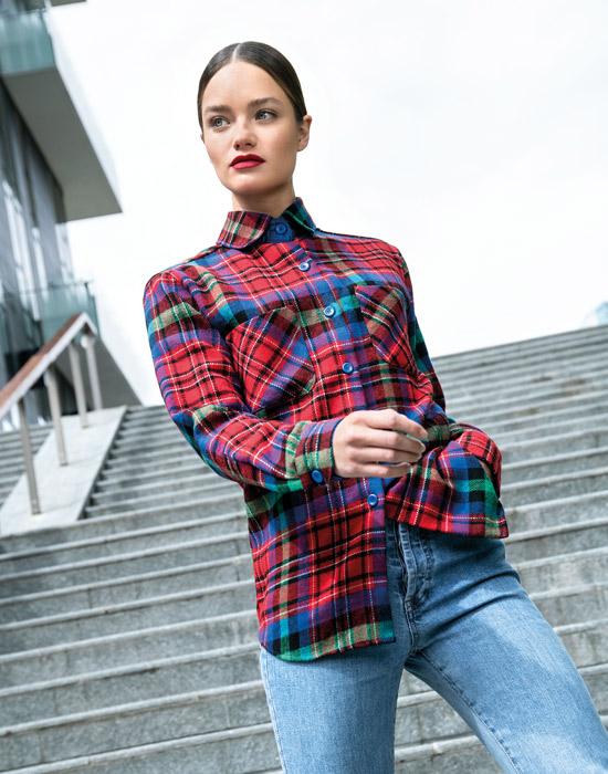 [el]Plaid γυναικείο μάλλινο πουκάμισο[en]Plaid lady's woolen shirt