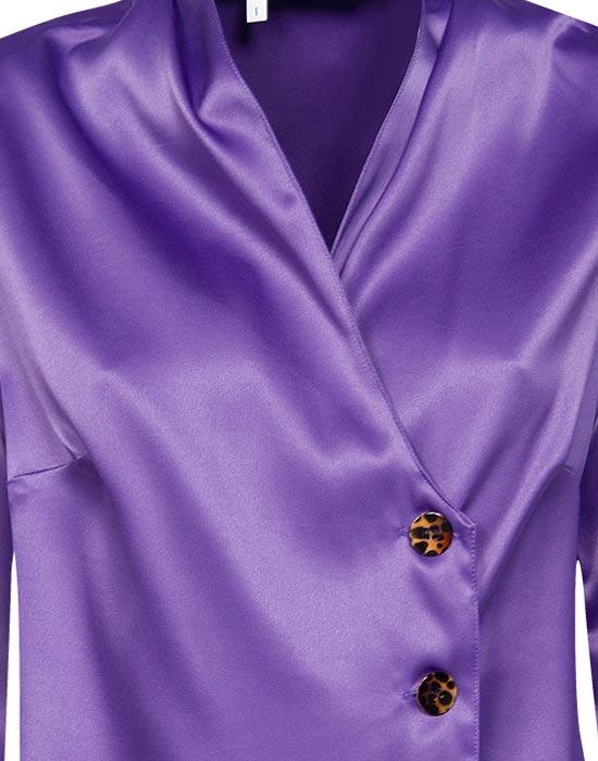 [el]Πουκάμισο saten με τιγρέ κουμπιά (λεπτομέρειες)[en]Satin shirt with tab buttons (details)