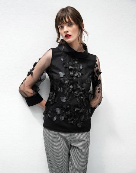 Κεντητή τούλινη μπλούζα